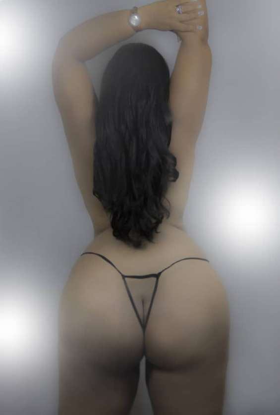 Pictures of Erotic show in cam whit latina hot 1