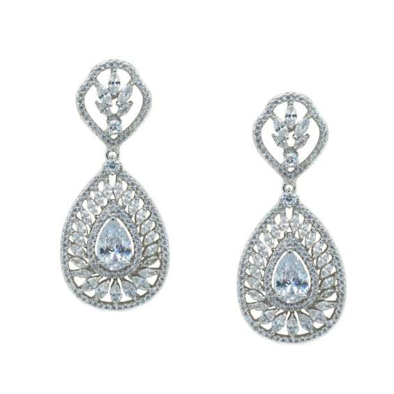 Get the perfect wedding earrings to complete your wedding look on sale